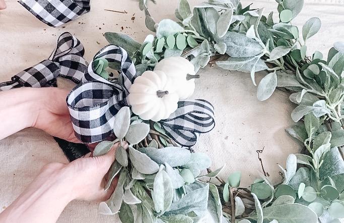 bow on wreath